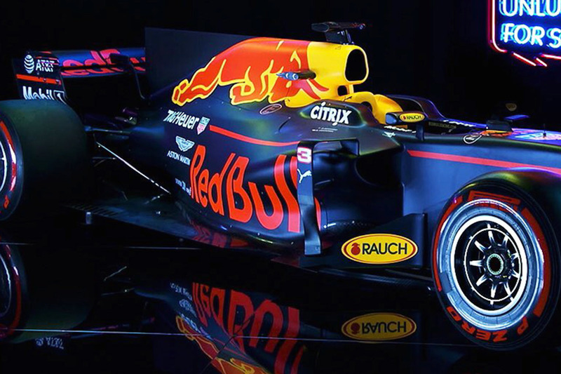red bull presenteert nieuwe formule 1 auto van verstappen en ricciardo. Black Bedroom Furniture Sets. Home Design Ideas