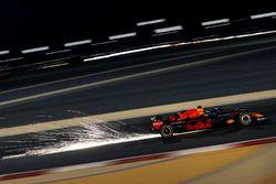 Daniel Ricciardo, Red Bull Racing RB14, scintille