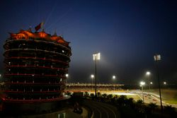 Sebastian Vettel, Ferrari SF71H, mène au départ