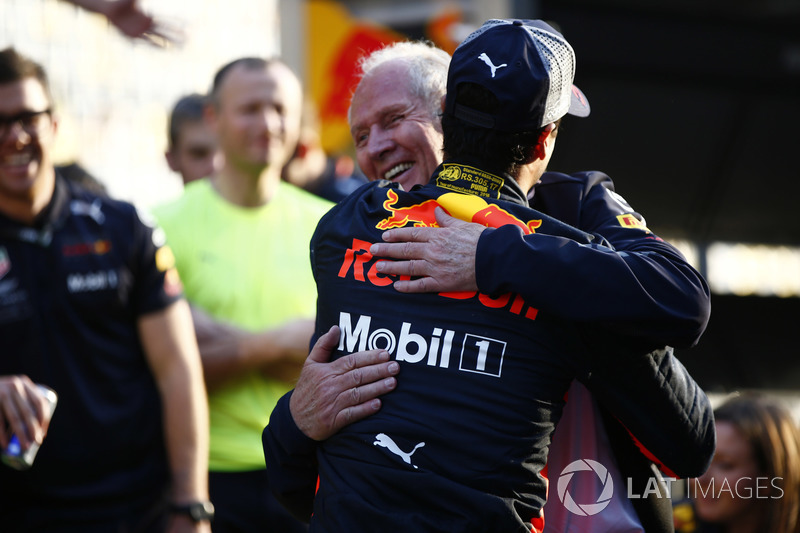 Helmut Markko, Consultant, Red Bull Racing y Daniel Ricciardo, Red Bull Racing