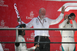 Lewis Hamilton, Mercedes-AMG F1 and Dr. Dieter Zetsche, CEO of Daimler AG celebrate on the podium