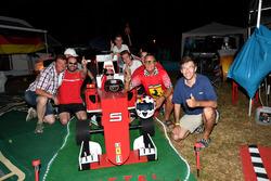 Des fans de Sebastian Vettel, Ferrari au camping