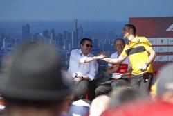 Eric Boullier, Yarış Direktörü, McLaren, Frederic Vasseur, Takım Patronu, Sauber, ve Cyril Abiteboul