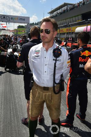 Christian Horner, director del equipo Red Bull Racing en la parrilla