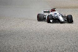 Marcus Ericsson, Sauber C37 runs wide