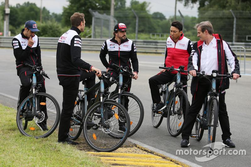 Alexander Wurz, Fernando Alonso, Sébastien Buemi, Kazuki Nakajima, Jose Maria Lopez, Toyota Gazoo Ra