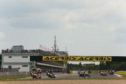 Leon Camier, Honda WSBK Team, Toprak Razgatlioglu, Kawasaki Puccetti Racing