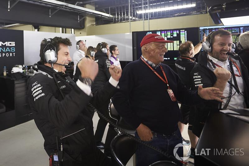 Toto Wolff, Direttore Esecutivo Mercedes AMG F1, Niki Lauda, Presidente Non-Esecutivo, Mercedes AMG