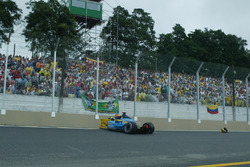Fernando Alonso, Renault Renault F1 Team R23, choque