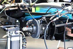 Mercedes-Benz F1 W08 buje de rueda y freno delantero