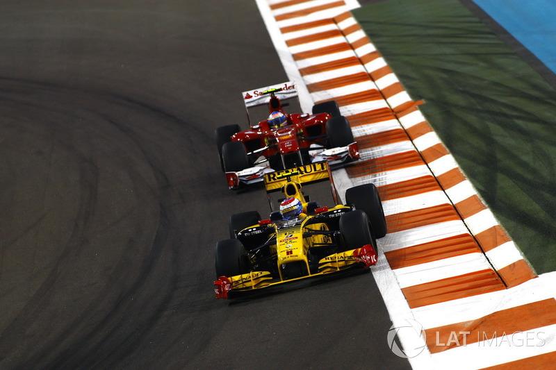 Гран При Абу-Даби-2010: поражение в борьбе за третий титул