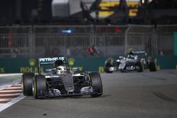 Льюис Хэмилтон, Mercedes F1 W07 Hybrid, Нико Росберг, Mercedes F1 W07 Hybrid