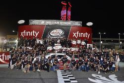 Celebrar el equipo Penske, ganó el Campeonato de propietarios 2017 NASCAR Xfinity serie