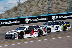 Kevin Harvick, Stewart-Haas Racing, Ford Fusion Jimmy John's and Chase Elliott, Hendrick Motorsports