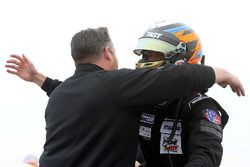 Ganador de la carrera Kyle Kirkwood