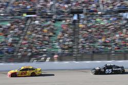Джой Логано, Team Penske Ford и Грей Голдинг, Premium Motorsports Toyota