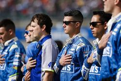 Jimmie Johnson, Hendrick Motorsports Chevrolet crewmen
