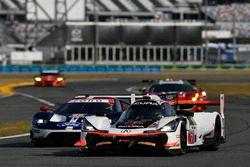 #7 Acura Team Penske Acura DPi, P: Helio Castroneves, Ricky Taylor, Graham Rahal, #66 Chip Ganassi R