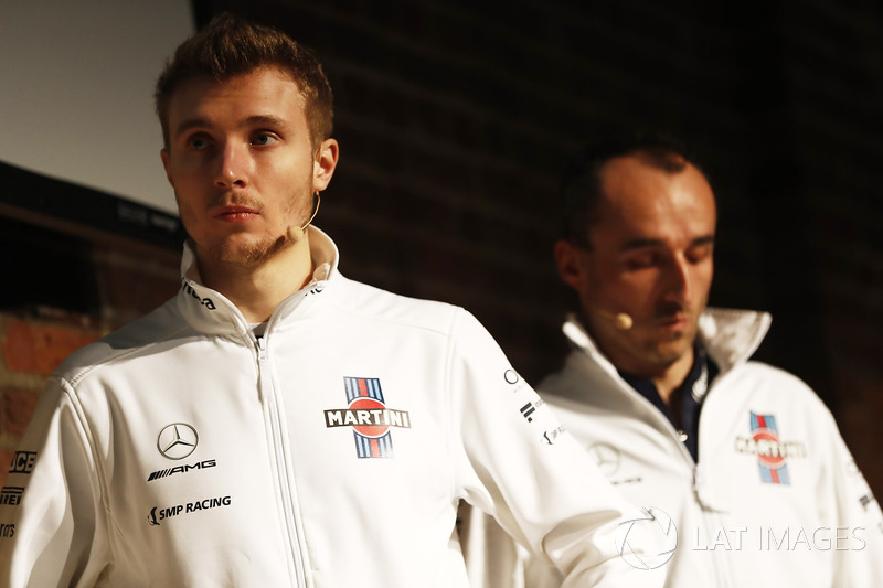 Sergey Sirotkin, Robert Kubica, Williams on stage at the launch of the FW41