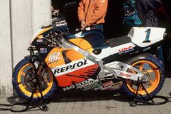 Мотоцикл команды Repsol Honda Team