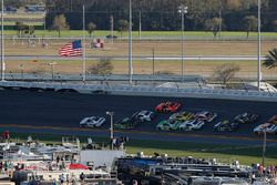 Kyle Larson, Chip Ganassi Racing, DC Solar Chevrolet Camaro, Joey Logano, Team Penske, Fitzgerald Gl