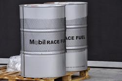 Barriles de combustible de Mobil