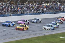 Даниэль Суарес, Joe Gibbs Racing Toyota, Джой Логано, Team Penske Ford и Тревор Бейн, Roush Fenway R