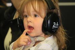 Una giovane tifosa