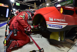 Пит-стоп: Тони Виландер, Антонио Джовинацци, Пипо Дерани, AF Corse, Ferrari 488 GTE Evo (№52)