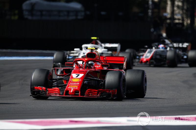 Kimi Raikkonen, Ferrari SF71H, Charles Leclerc, Sauber C37