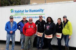 Evento de la Fundación Joey Logano y Habitat for Humanity