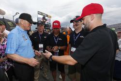 Denny Hamlin, Joe Gibbs Racing, Toyota Camry FedEx Cares Fed Ex Joe Gibbs