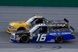 Brett Moffitt, Hattori Racing Enterprises, Toyota Tundra ADVICS /AISIN GROUP and Dalton Sargeant, GMS Racing, Chevrolet Silverado Performance Plus Motor Oil