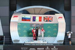 Podio: il vincitore della gara Anthoine Hubert, ART Grand Prix, il secondo classificato Nikita Mazepin, ART Grand Prix, il terzo classificato Callum Ilott, ART Grand Prix