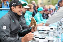 Mitch Evans, Jaguar Racing, is gifted a Kiwi by a fan
