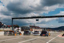 Start, Sébastien Loeb, Team Peugeot Total, Mattias Ekström, EKS Audi Sport, Johan Kristoffersson, PSRX Volkswagen Sweden, Guerlain Chicherit, GC Competition