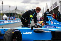 Sébastien Buemi, Renault e.Dams, rentre au stand