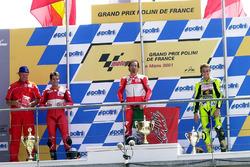 Podyum: Yarış galibi Max Biaggi, 2. Carlos Checa, 3. Valentino Rossi