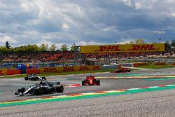 Lewis Hamilton, Mercedes-AMG F1 W09 mène la course au départ