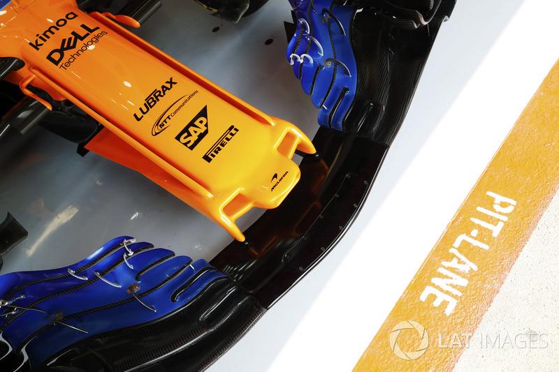 Dettaglio dell'ala anteriore di una McLaren MCL33