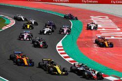 Kevin Magnussen, Haas F1 Team VF-18, Carlos Sainz Jr., Renault Sport F1 Team R.S. 18, Fernando Alonso, McLaren MCL33 and Romain Grosjean, Haas F1 Team VF-18, as Stoffel Vandoorne, McLaren MCL33, y Marcus Ericsson, Sauber C37, run wide
