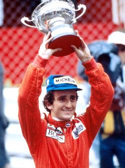 Ganador de la carrera Alain Prost, McLaren