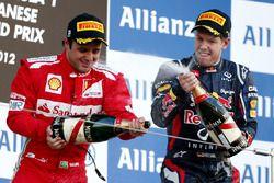 Podium: Felipe Massa, Ferrari, tweede plaats, Sebastian Vettel, Red Bull Racing, racewinnaar