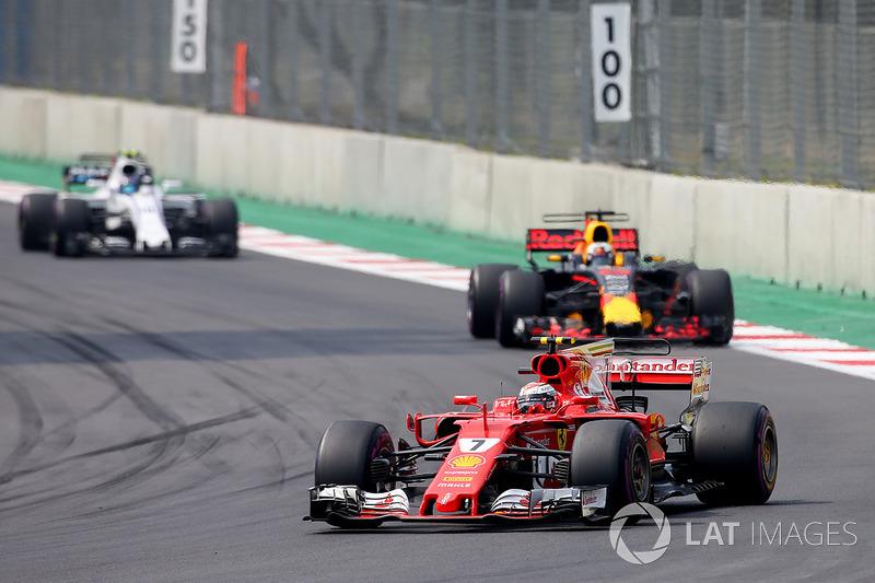 Kimi Raikkonen, Ferrari SF70H, Daniel Ricciardo, Red Bull Racing RB13, Lance Stroll, Williams FW40