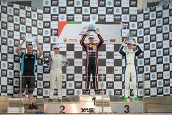 الفائز شارل ويرتس، المركز الثاني كايو كوليت، المركز الثالث دايفيد شوماخر