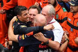 Race winner Daniel Ricciardo, Red Bull Racing celebrates with Christian Horner, Red Bull Racing Team Principal, Adrian Newey, Red Bull Racing and Dr Helmut Marko, Red Bull Motorsport Consultant in parc ferme