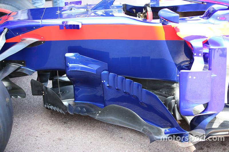 Detalle del bargeboard del Scuderia Toro Rosso STR13