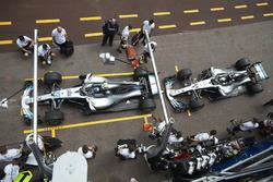 Валттери Боттас и Льюис Хэмилтон, Mercedes AMG F1 W09