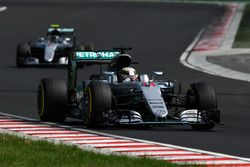 Льюис Хэмилтон, Mercedes-Benz F1 W07 Hybrid, Нико Росберг, Mercedes-Benz F1 W07 Hybrid