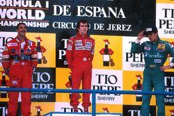 Podium : le vainqueur Alain Prost, McLaren, le deuxième Nigel Mansell, Williams, le troisième Alessandro Nannini, Benetton